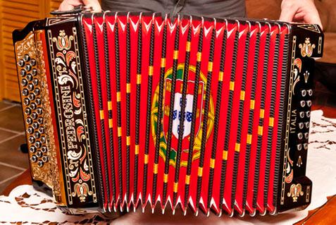 Portuguese Folklore - Instruments - Instrumentos Keyboard Family Instruments